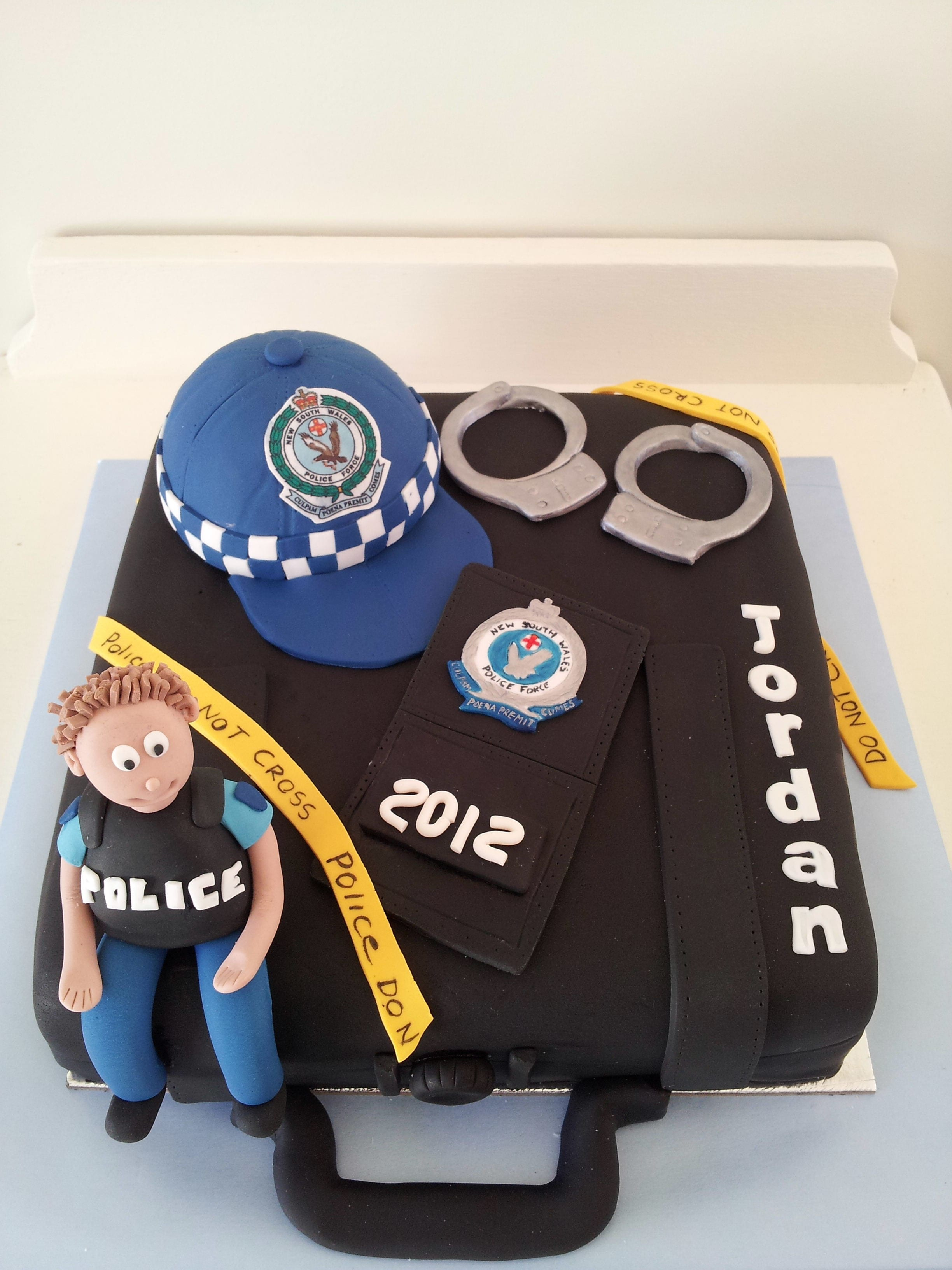Cake Decorations For Police Cake : Police Graduation Cake - The Quirky Cake Society