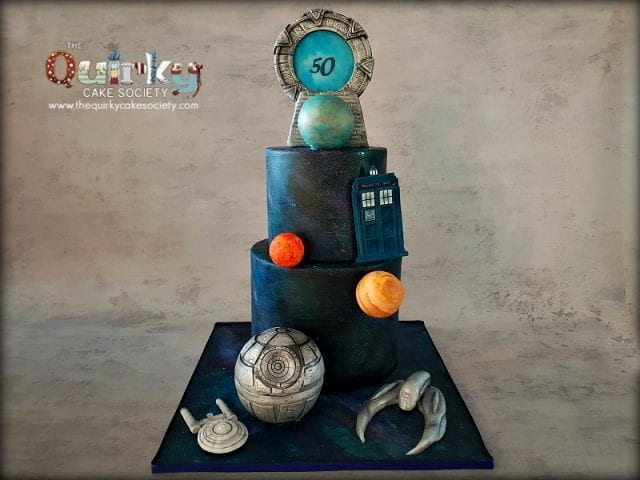 sci-fi spacecraft cakes